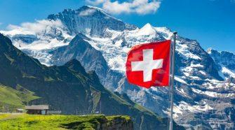 Suíça volta atrás e só aceita brasileiros 100% vacinados