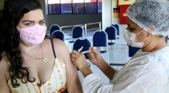 Covid-19: Aracaju vacinará população de 28 anos com a primeira dose