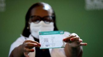 Covid-19: como tirar 2ª via do cartão de vacinação
